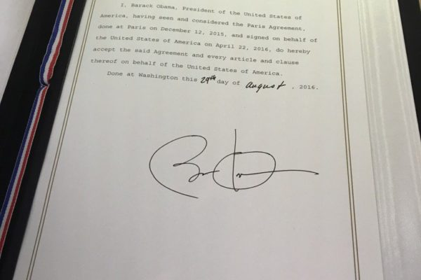 Obama Cop 21 signature 03 09 16