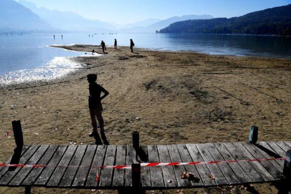 Annecy Lac sécheresse 04 10 18