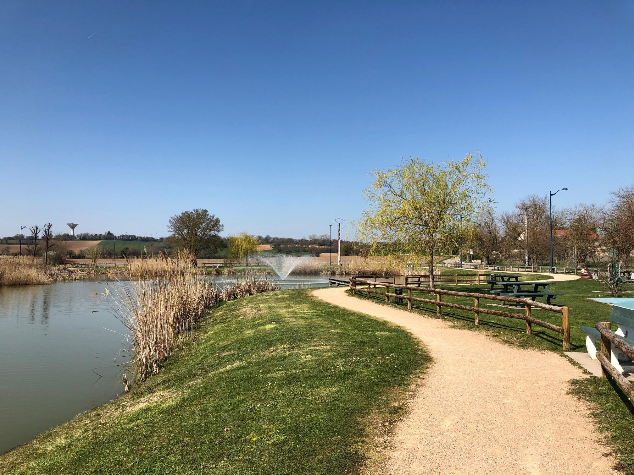 Le défi de la gestion des eaux pluviales et la belle réussite de l'étang des Salines (Colombier-Saugnieu – Rhône)